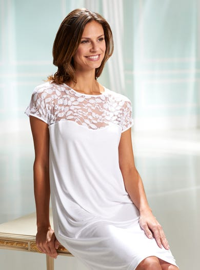 0576 - White - Supersoft Luxury Nightshirt