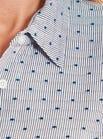 Bluse mit blauen Tupfen