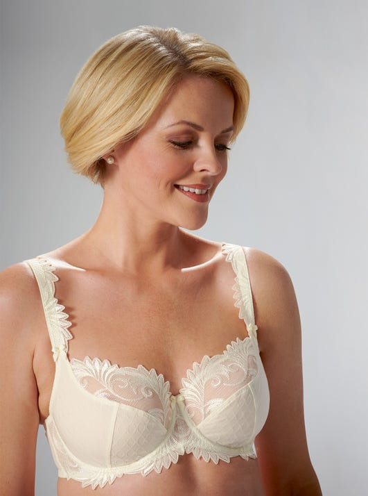 Luxury Lace Bra by Empreinte