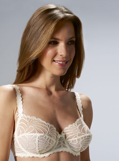 9360 - Ivory - Luxury Lace Bra by Bestform