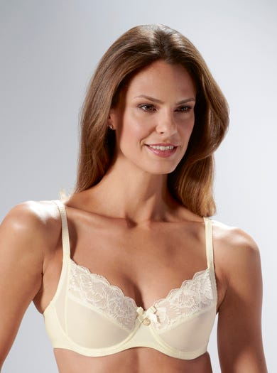9375 - Ivory - Romantic Lace Bra by Chantelle