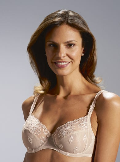 9378 - Cameo - Luxury Embroidered Bra by Chantelle