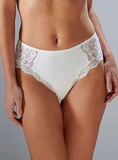 9472 - White - Lace-trimmed Briefs by Triumph
